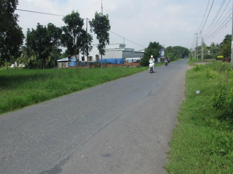 Nữ công nhân bi 2 thanh niên dạp ngã, cướp xe máy - ảnh 1