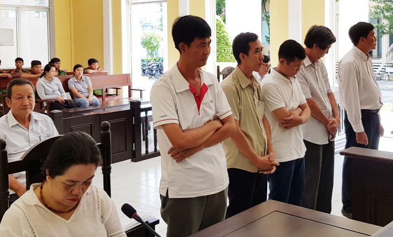 Tham ô, cựu giám đốc Trung tâm Khuyến công lãnh án - ảnh 1