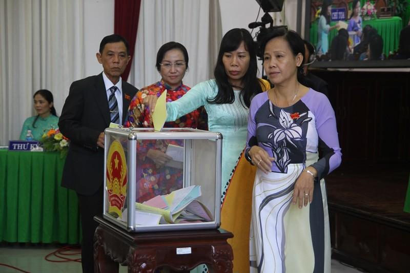 Chủ tịch HĐND TP Cần Thơ có 100% phiếu tín nhiệm cao  - ảnh 1