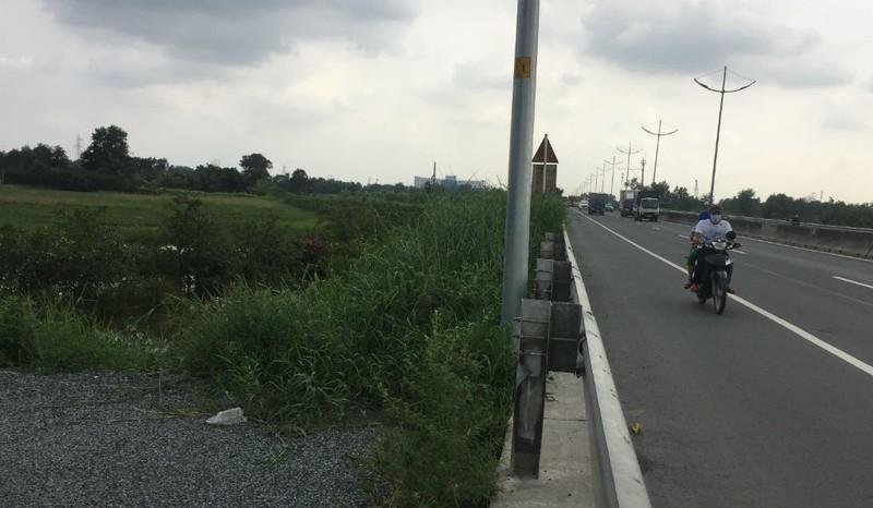 Ngổn ngang đường dẫn cao tốc TP.HCM - Trung Lương - ảnh 8