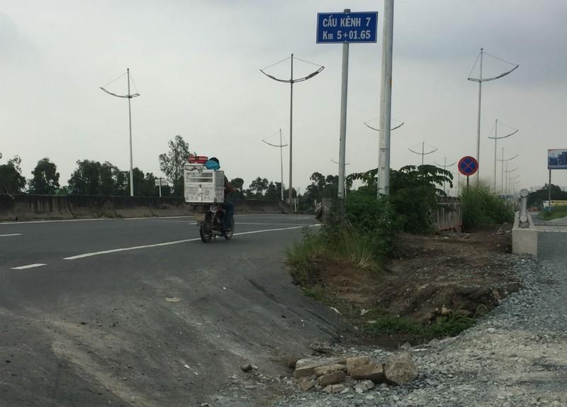 Ngổn ngang đường dẫn cao tốc TP.HCM - Trung Lương - ảnh 9