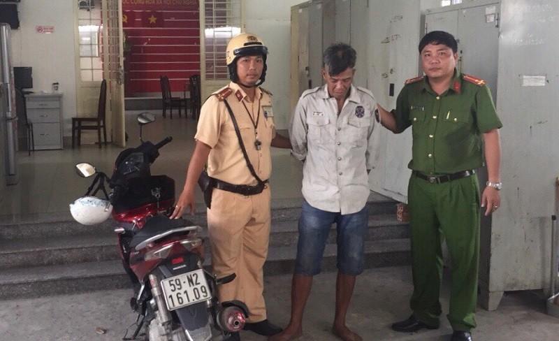 CSGT trạm Tân Túc 'xuất kích' tóm gọn tên trộm xe AirBlade  - ảnh 1