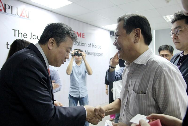 Đoàn Hội nhà báo Hàn Quốc thăm báo Pháp Luật TP.HCM - ảnh 12