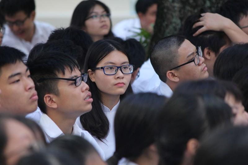Nữ sinh Lê Hồng Phong rạng rỡ trong ngày khai giảng - ảnh 6
