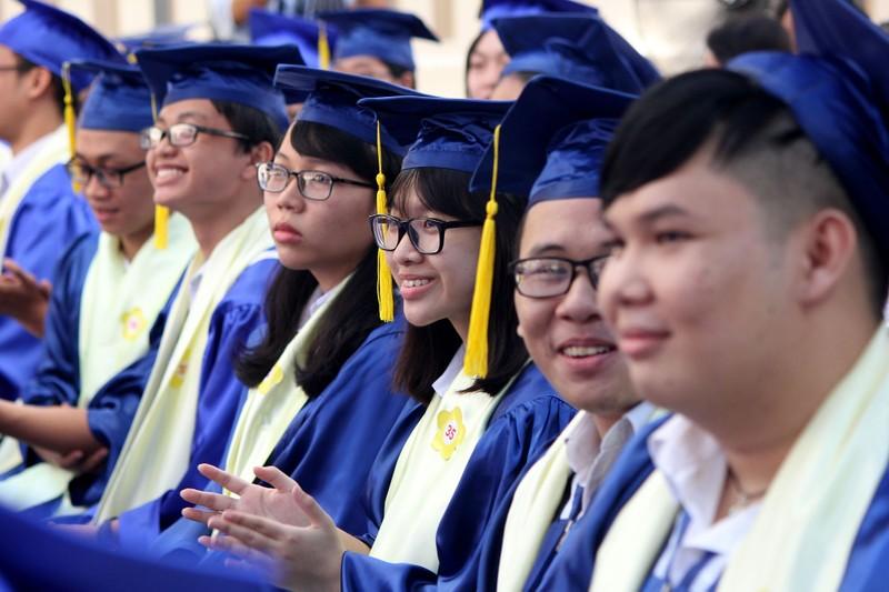 Nữ sinh Lê Hồng Phong rạng rỡ trong ngày khai giảng - ảnh 7