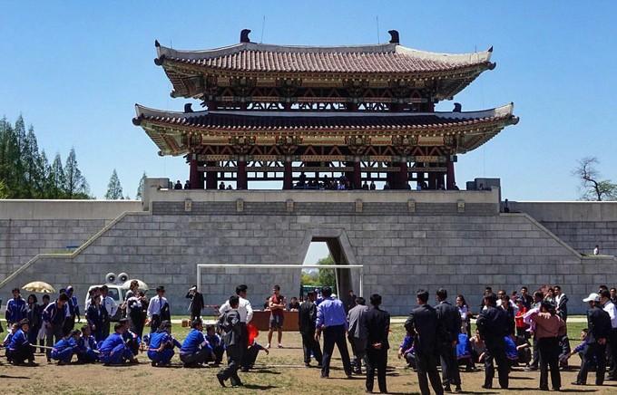 Hình ảnh hiếm hoi trong công viên giải trí ở Triều Tiên - ảnh 1