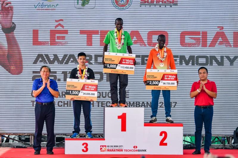 Những hình ảnh ấn tượng ở giải Marathon Quốc tế TP.HCM - ảnh 12