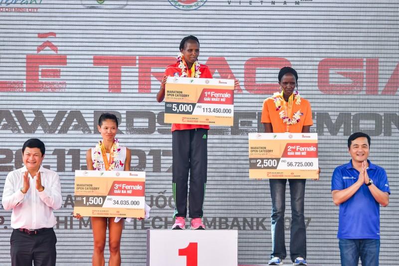 Những hình ảnh ấn tượng ở giải Marathon Quốc tế TP.HCM - ảnh 13