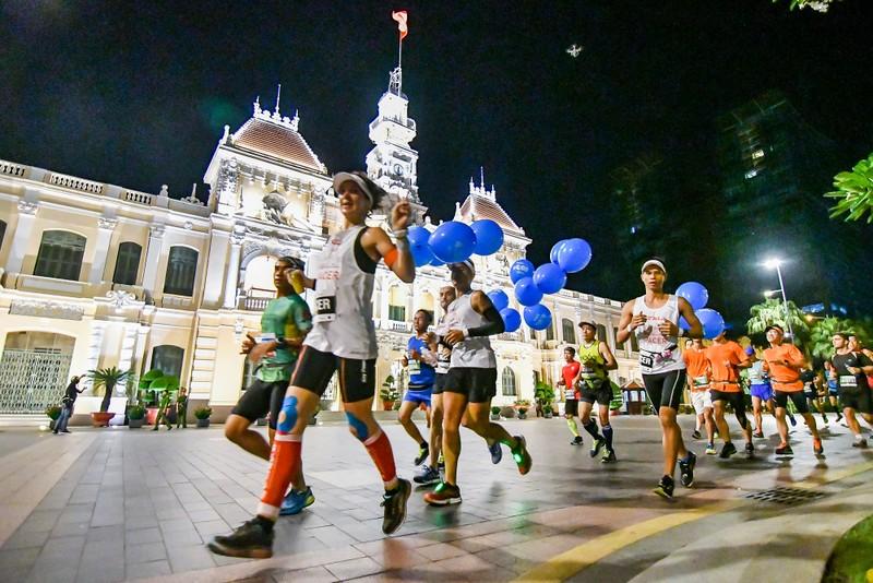 Những hình ảnh ấn tượng ở giải Marathon Quốc tế TP.HCM - ảnh 2