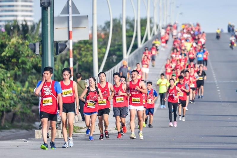 Những hình ảnh ấn tượng ở giải Marathon Quốc tế TP.HCM - ảnh 3