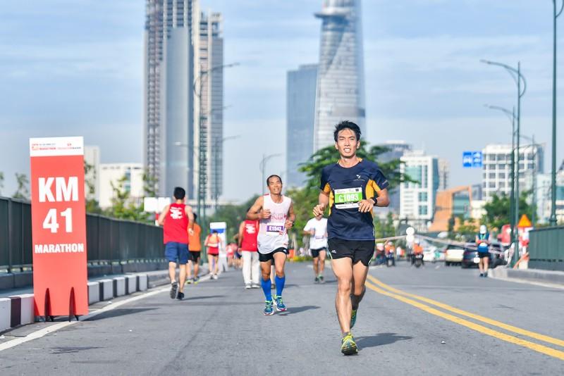 Những hình ảnh ấn tượng ở giải Marathon Quốc tế TP.HCM - ảnh 8