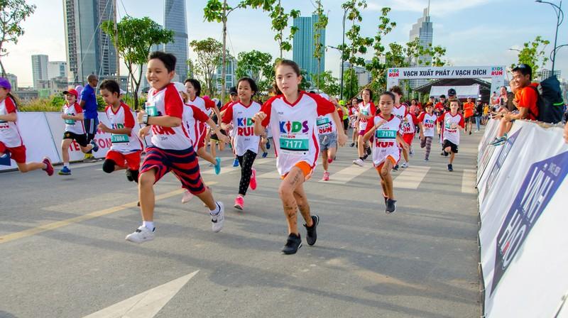 Những hình ảnh ấn tượng ở giải Marathon Quốc tế TP.HCM - ảnh 9