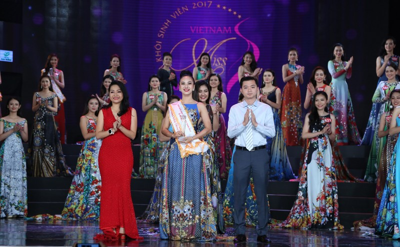 Nữ sinh Tây Đô đăng quang Hoa khôi Sinh viên VN 2017 - ảnh 4
