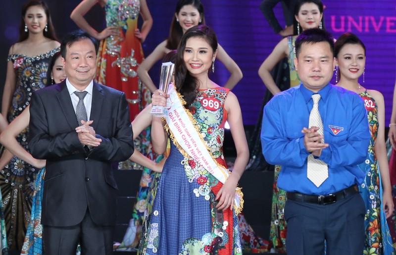 Nữ sinh Tây Đô đăng quang Hoa khôi Sinh viên VN 2017 - ảnh 9