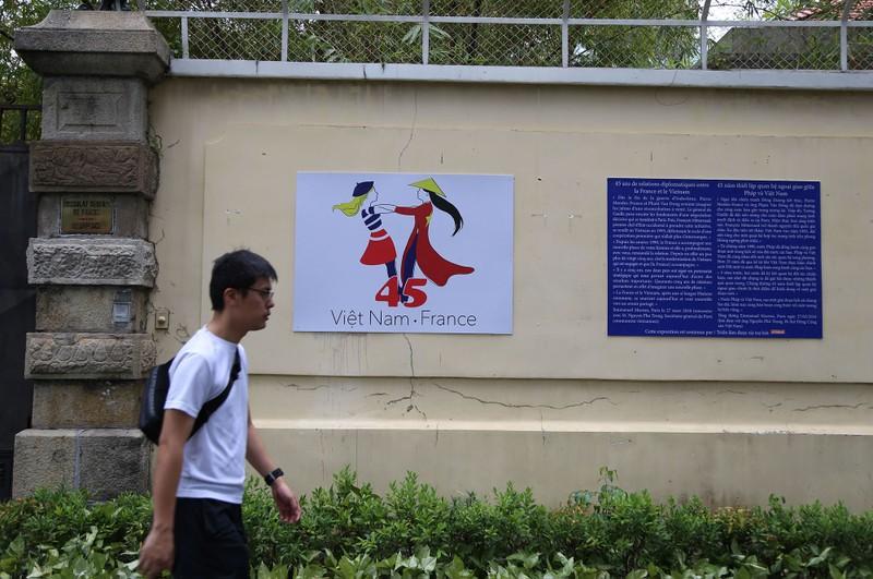 Ấn tượng 45 năm quan hệ ngoại giao Việt-Pháp qua ảnh - ảnh 15