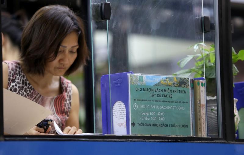 Cận cảnh loại hình xe buýt sách đầu tiên ở TP.HCM - ảnh 12