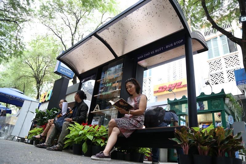 Cận cảnh loại hình xe buýt sách đầu tiên ở TP.HCM - ảnh 8