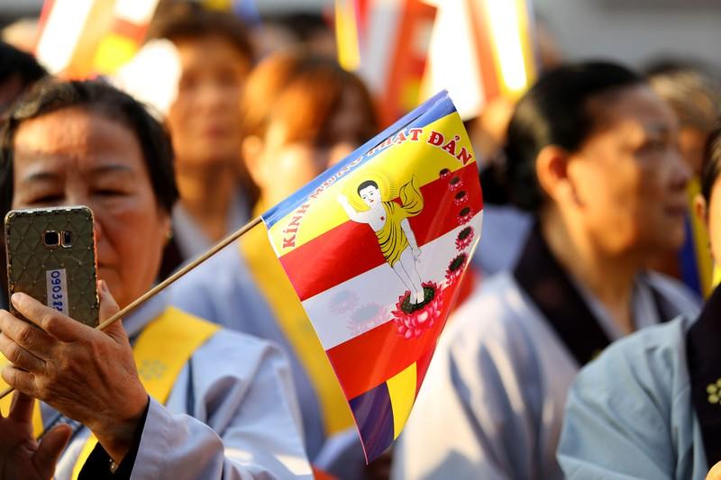 Hàng ngàn người mừng Phật đản tại Việt Nam Quốc Tự - ảnh 10