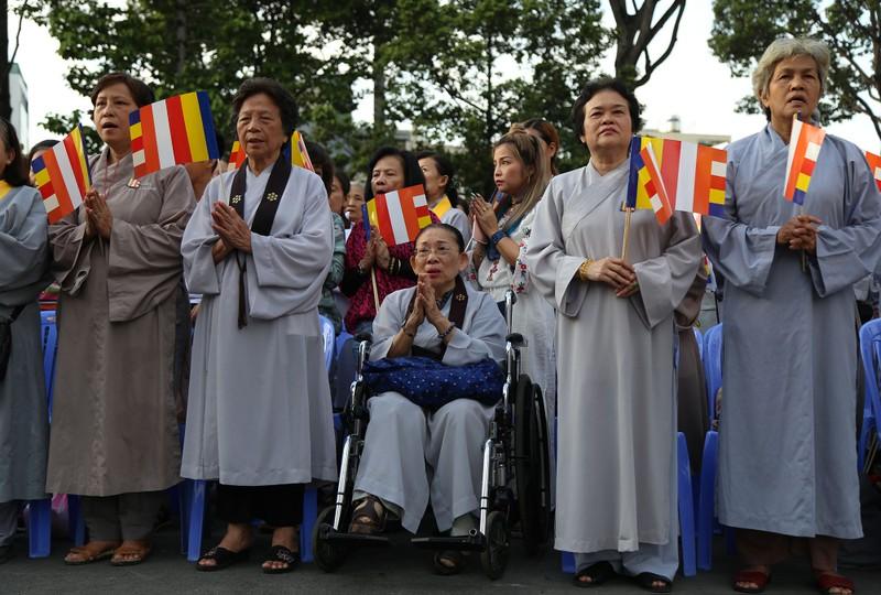 Hàng ngàn người mừng Phật đản tại Việt Nam Quốc Tự - ảnh 7
