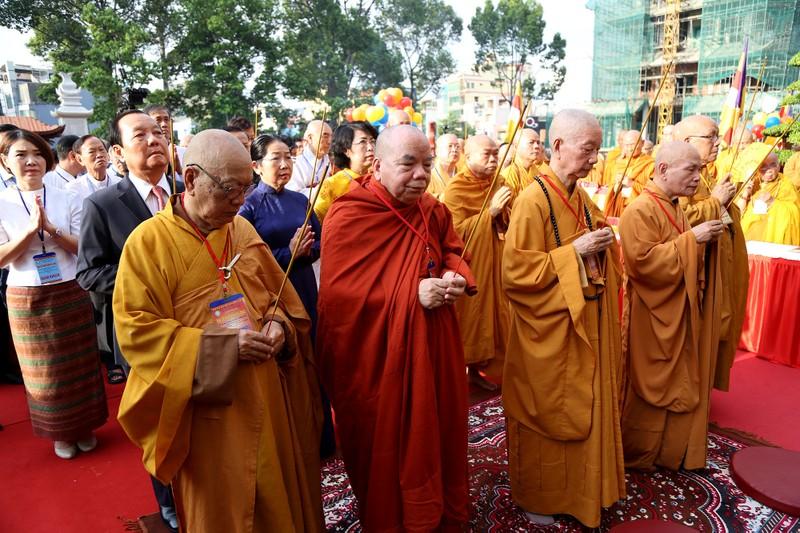 Hàng ngàn người mừng Phật đản tại Việt Nam Quốc Tự - ảnh 5