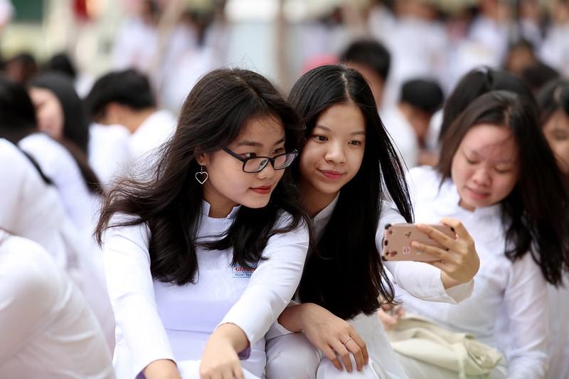 Nữ sinh Gia Định xinh tươi, duyên dáng trong ngày khai giảng - ảnh 5