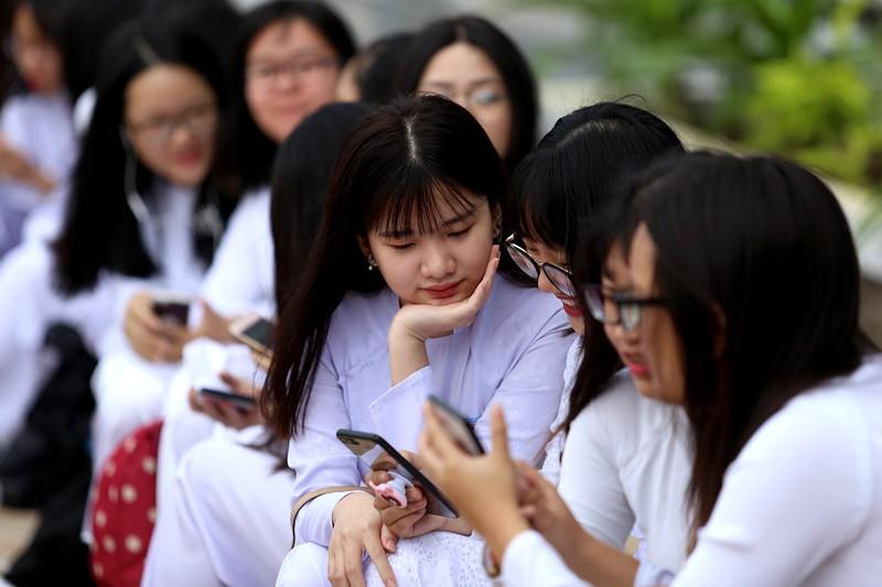 Nữ sinh Gia Định xinh tươi, duyên dáng trong ngày khai giảng - ảnh 6