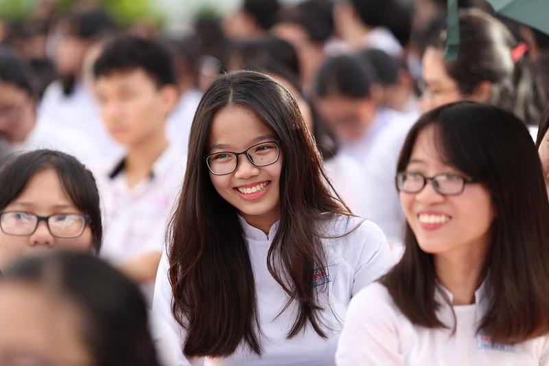 Nữ sinh Gia Định xinh tươi, duyên dáng trong ngày khai giảng - ảnh 8