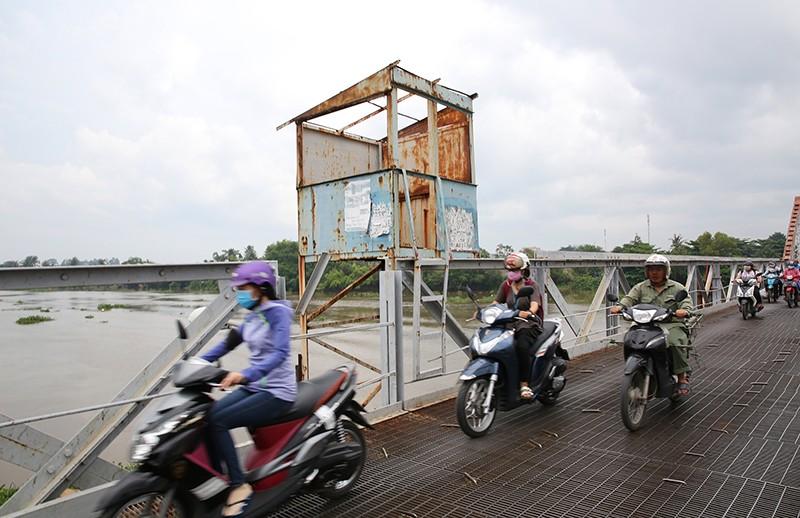 Cận cảnh cầu cổ hơn 100 tuổi sắp tháo dỡ ở Sài Gòn - ảnh 3