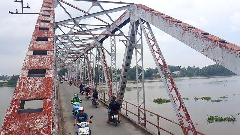 Cận cảnh cầu cổ hơn 100 tuổi sắp tháo dỡ ở Sài Gòn - ảnh 5