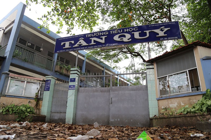 Ngôi trường tiểu học bỏ hoang gần 3 năm ở TP.HCM - ảnh 1