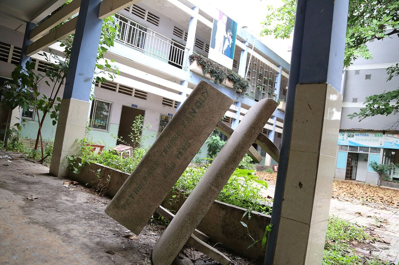 Ngôi trường tiểu học bỏ hoang gần 3 năm ở TP.HCM - ảnh 6