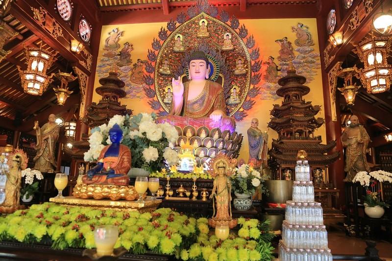 Cận cảnh ngôi chùa có tháp bằng gốm cao nhất Việt Nam - ảnh 7