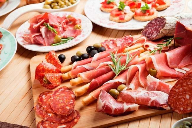 Những thực phẩm gây ung thư nhiều người đang ăn - ảnh 2