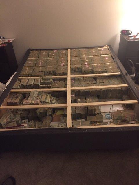 20 triệu USD tiền mặt