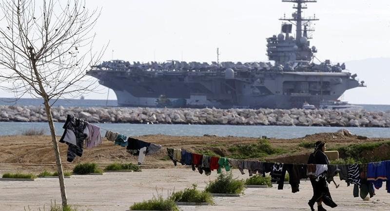 Tàu sân bay Mỹ bị 20 tàu chiến Iran 'nghênh đón' - ảnh 1