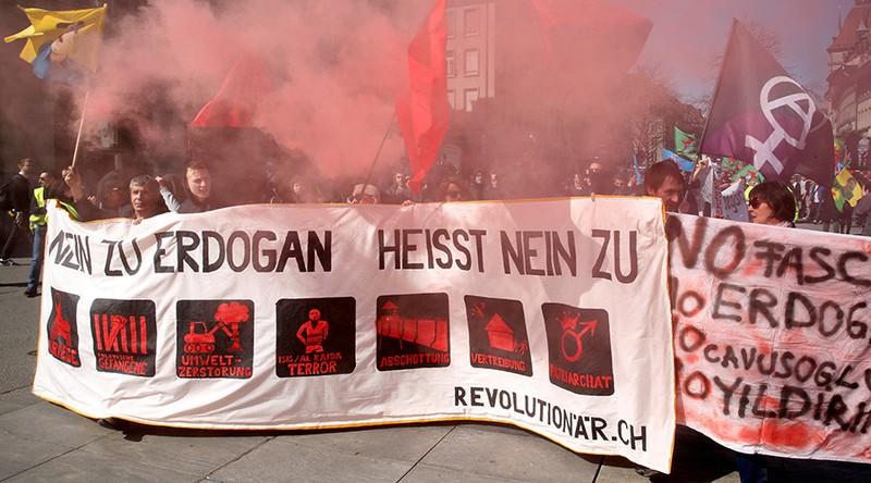 Thổ Nhĩ Kỳ triệu đại sứ Thụy Sĩ để phản đối biểu tình - ảnh 1