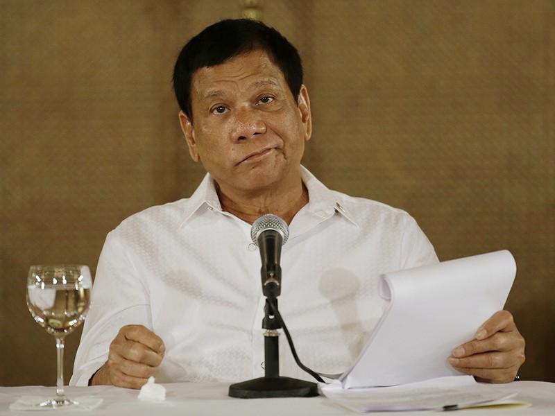 Duterte chất vấn đại sứ Mỹ vụ không cản TQ xây đảo  - ảnh 1