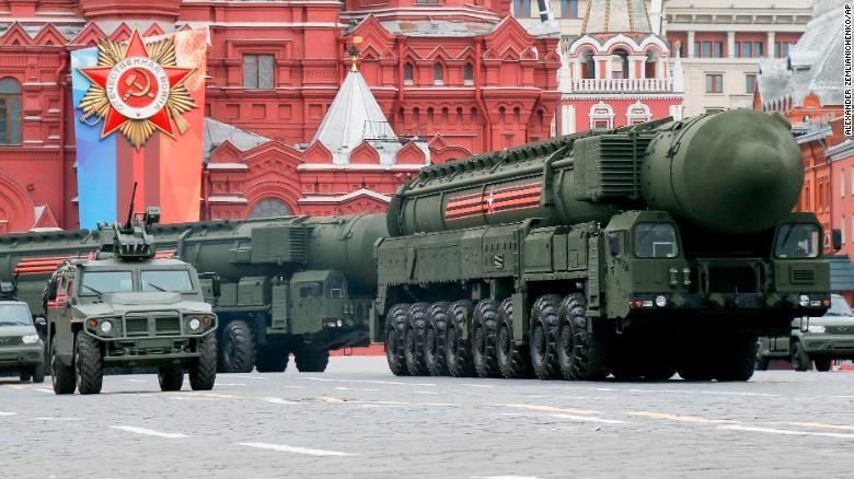Dàn vũ khí 'khủng' Nga phô diễn trong lễ duyệt binh - ảnh 3