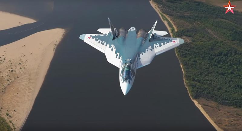 Nga công bố video tiêm kích Su-57 bay sát mặt đất - ảnh 1
