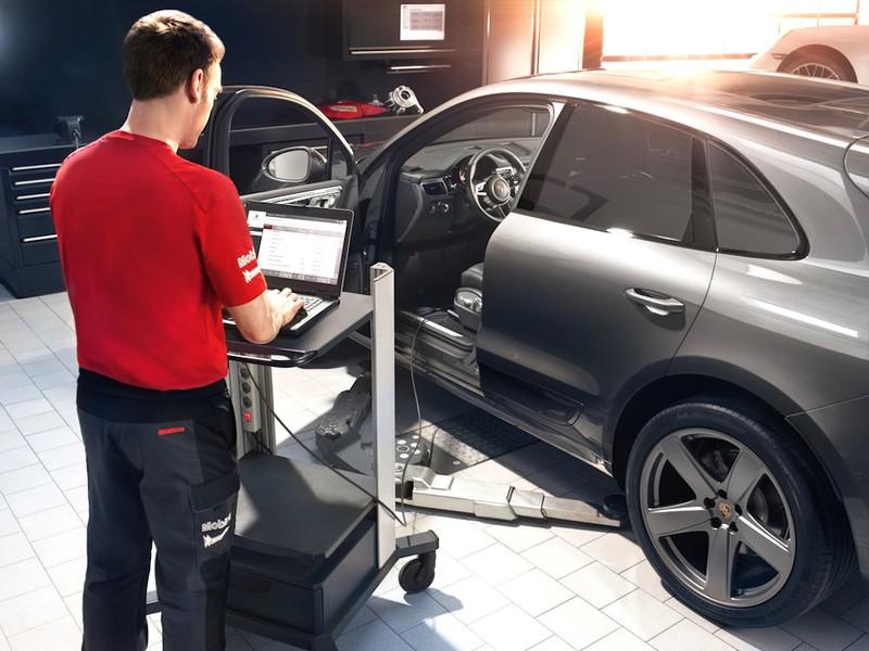 Porsche ưu đãi dịch vụ chăm sóc xe mùa nóng - ảnh 1