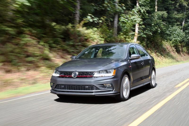 Volkswagen Jetta: Giải thưởng chiếc xe lý tưởng 2017 - ảnh 1