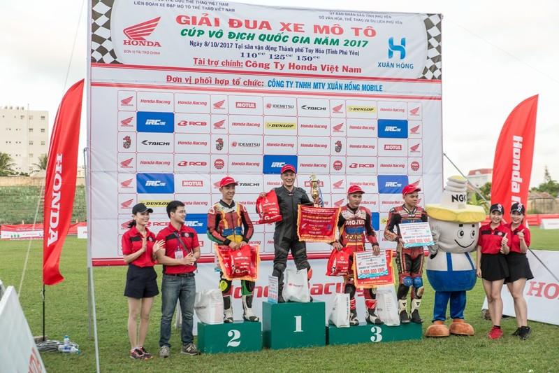 Tưng bừng giải đua xe mô tô Honda ở Tuy Hòa - ảnh 9