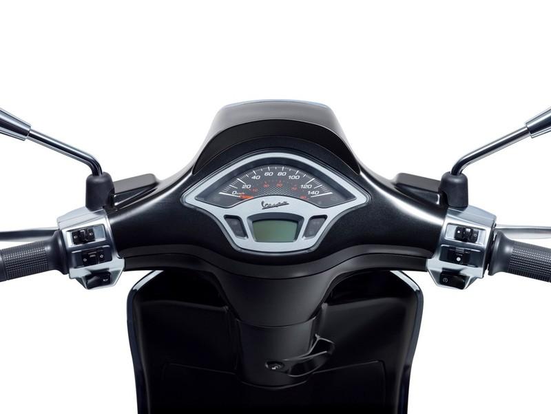 Vespa Sprint Carbon 2018, phiên bản màu đen cá tính - ảnh 2