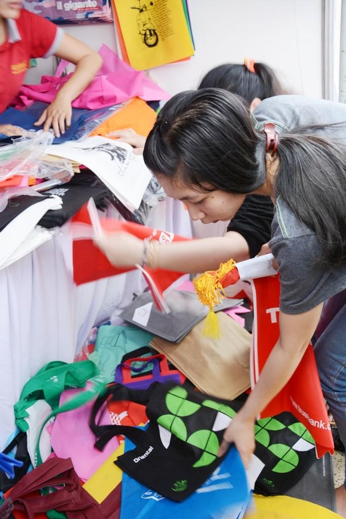 Giảm túi nylon vì cuộc sống xanh bền vững - ảnh 1