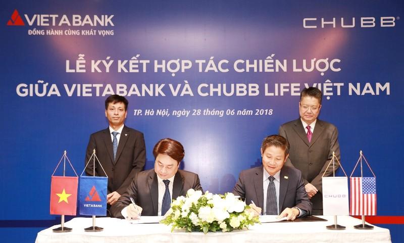 Chubb Life Việt Nam và VietABank hợp tác phân phối bảo hiểm - ảnh 1