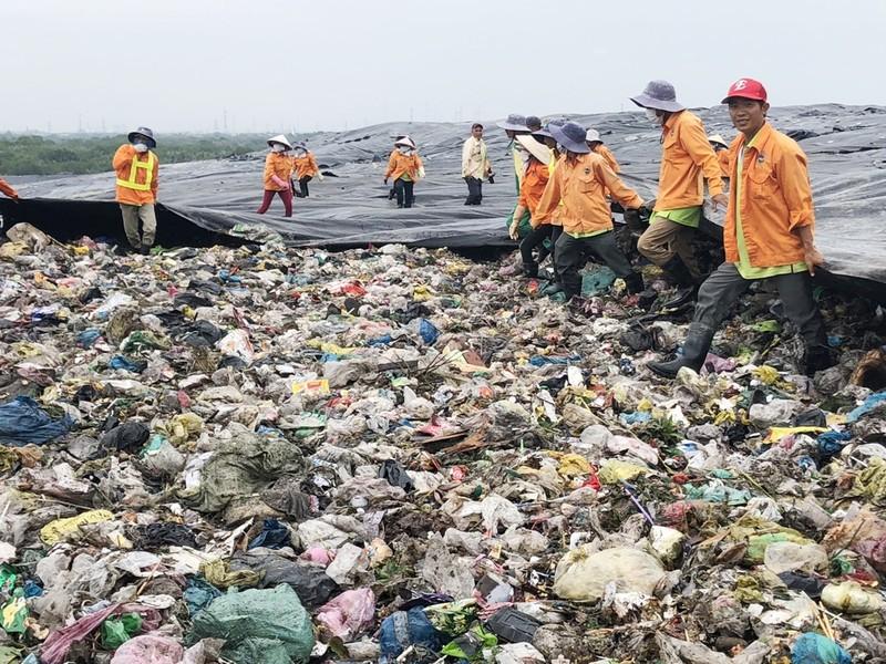 TP.HCM: Duyệt dự án bảo vệ quyền lợi người thu gom rác - ảnh 1