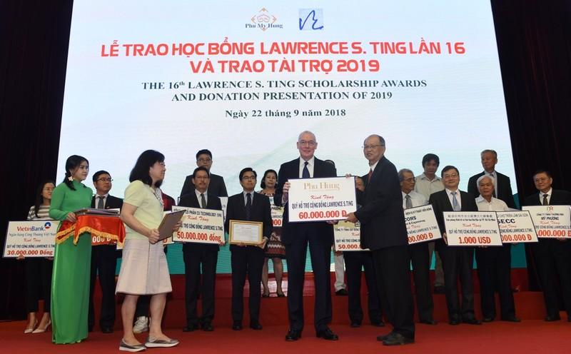 Quỹ Lawrence S. Ting trao 8,39 tỷ đồng học bổng - ảnh 1