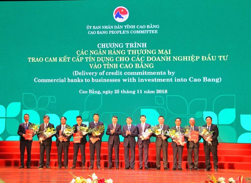 Agribank cam kết đầu tư hơn 700 tỉ đồng tại Cao Bằng - ảnh 1