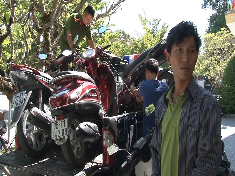 Từ TP.HCM ra Huế tạm trú để trộm xe máy - ảnh 1