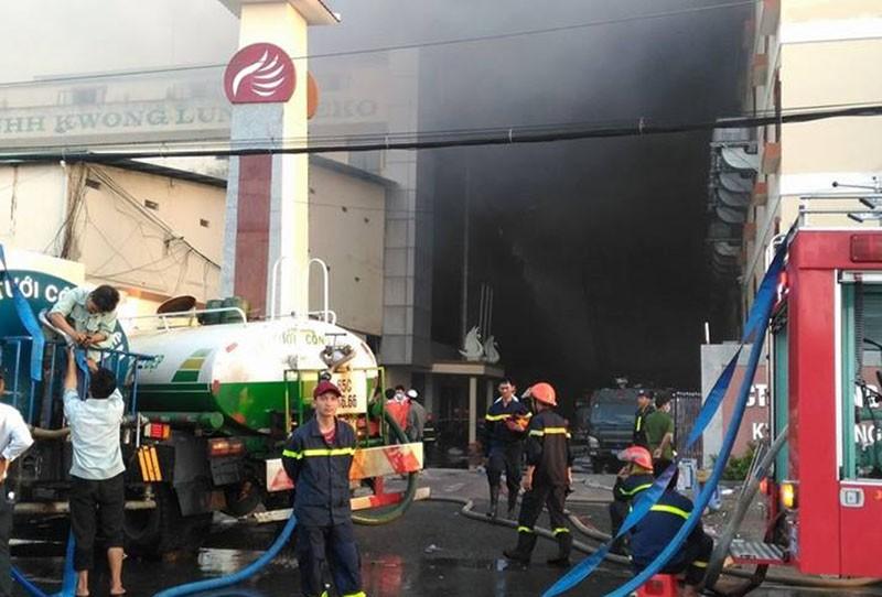 Diễn biến mới vụ cháy ở Cần Thơ: Lửa đang bùng trở lại - ảnh 4